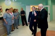 Дмитрий Медведев посетил перинатальный центр